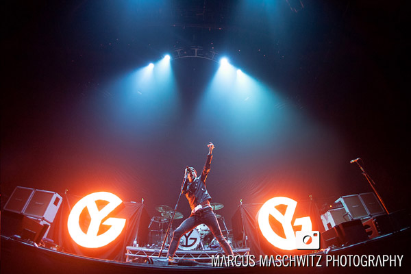 young-guns-wembley-arena-01