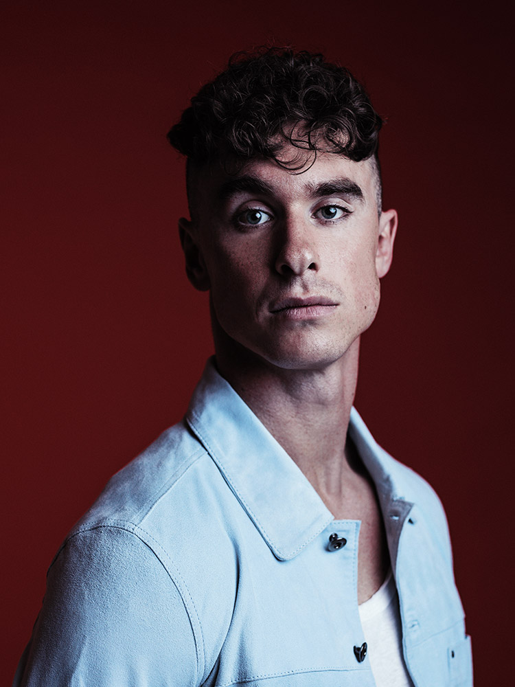 Studio portrait of Rob Damiani from Don Broco photographed by Marcus Maschwitz