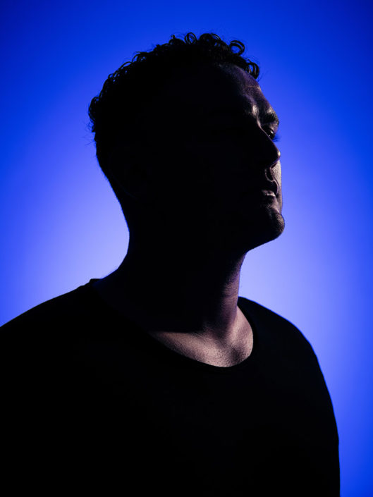 Studio portrait of DJ Sam Whitmore photographed by Marcus Maschwitz