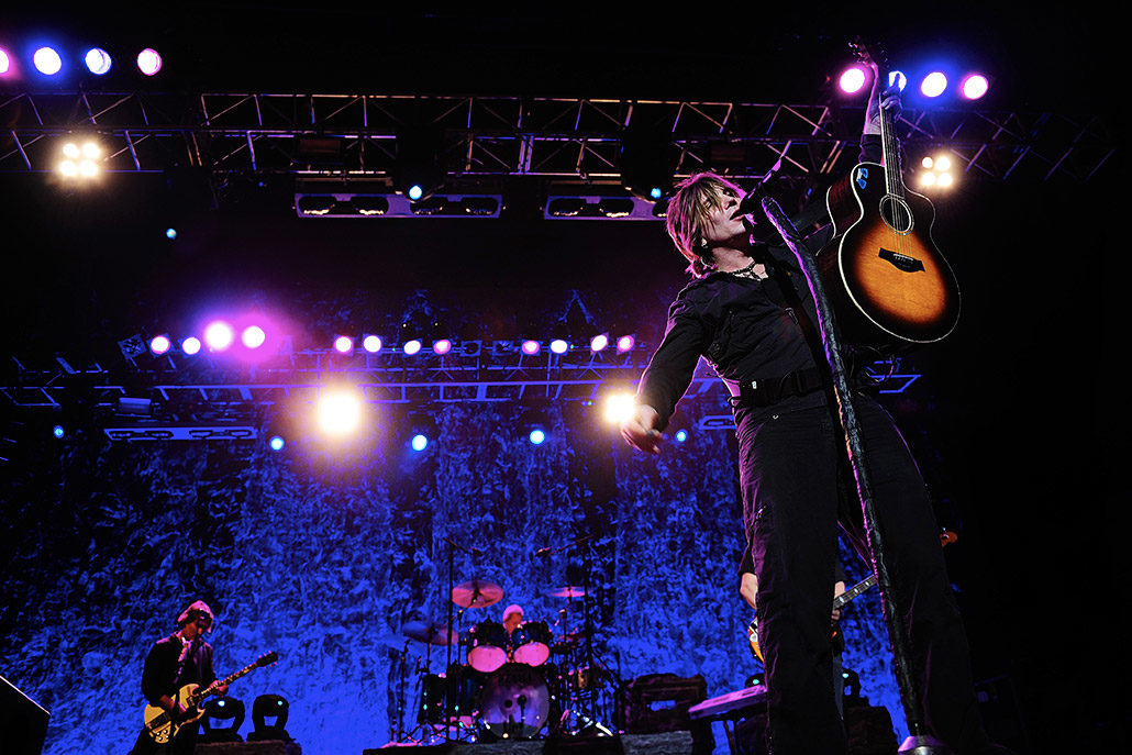 John Rzeznik of Goo Goo Dolls performing live on stage photographed by Marcus Maschwitz