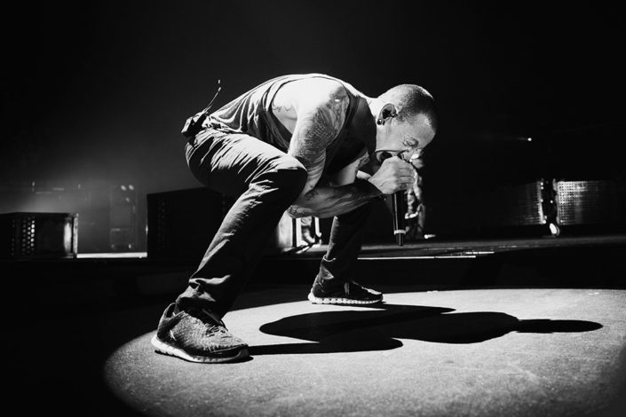 Chester Bennington of Linkin Park bossing it live photographed by Marcus Maschwitz
