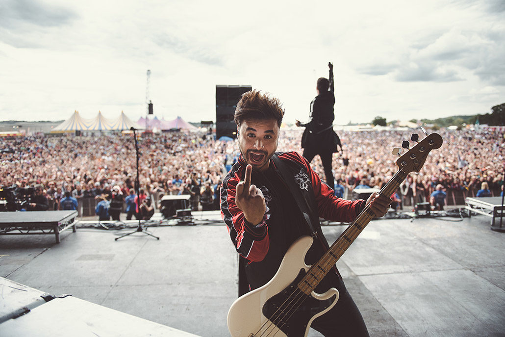 Simon Mitchell of Young Guns on main stage at Reading Festival photographed by Marcus Maschwitz