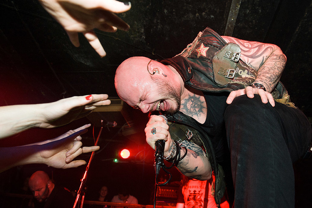 Soilwork playing up close in a crowd photographed by Marcus Maschwitz