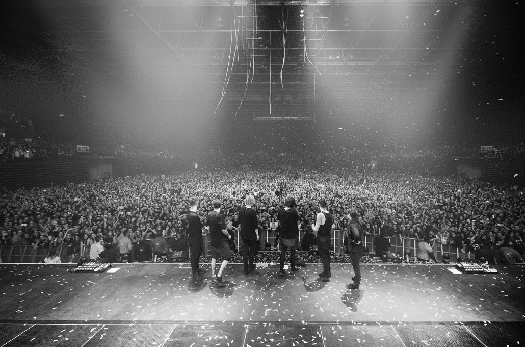 Closing show photograph of Bring Me The Horizon headlining an arena photographed by Marcus Maschwitz