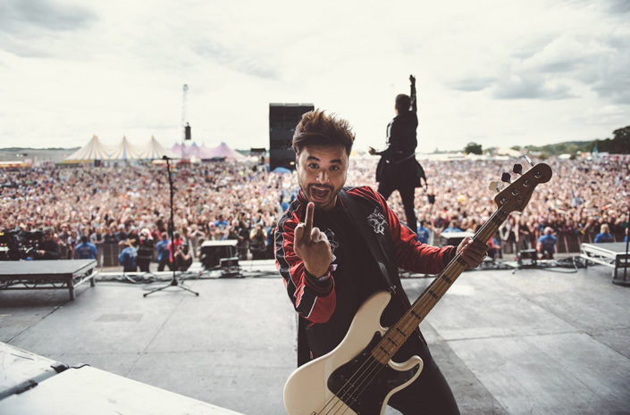 Simon Mitchell of Young Guns on stage at Reading Festival photographed by Marcus Maschwitz