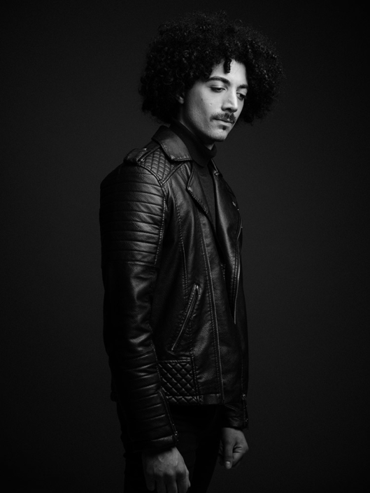 B&W studio press portrait of Fuzz Skyler photographed by Marcus Maschwitz
